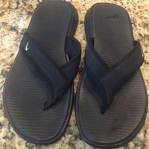 Nike Women's Size 7 Flip Flops